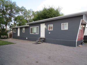 "*Hiway Gardens Park"" 2 Br TOTALLY REMODELLED Only $119,900!!"