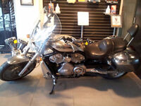 2004 Harley V-Rod with touring seat, windshield and bags