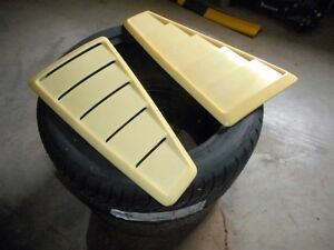 05-09 Mustang parts - Cervini quarter window scoops / louvers