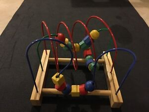 Toddler Learning toy - Shapes and sizes