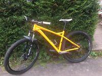 Saracen killi mountain bike 29r custom build