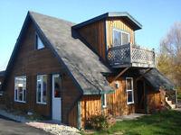 Beau petit chalet à louer/ cute cottage for rent