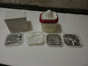 Mini Juicer Grater with attachments and blades - New in box