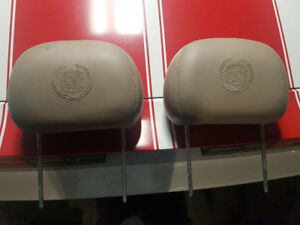 Appuie-tête Cadillac Escalade Beige cuir Leather headrest Paire!