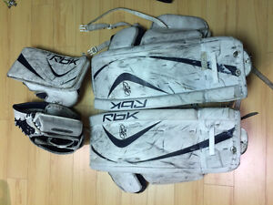 "Goalie Pads 27"", Blocker and Trapper"