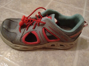Girls Columbia Shoes Size 11