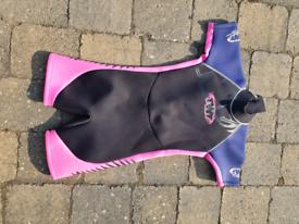 TWF kids shortie wetsuit fits age 6-8