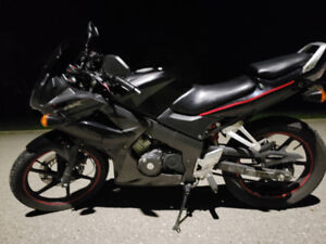 Cbr 125 29000 km mint condition