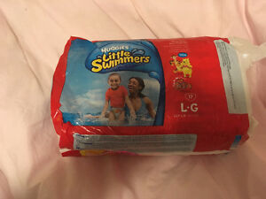 Huggies little swimmers diapers sz large