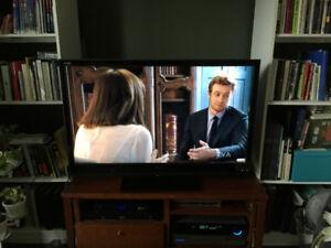 """Téléviseur 46"""" ACL (HD) de Sony en bonne condition."""