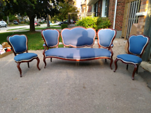 Antique Victorian Parlour Sofa and Chairs