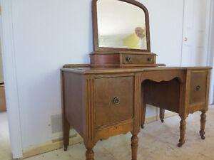 Meuble antique - console, bureau Gatineau Ottawa / Gatineau Area image 1