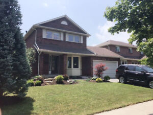 EXCEPTIONAL FAMILY FRIENDLY WHITBY 3 BEDROOM