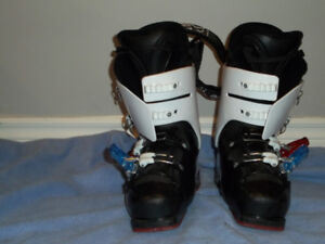 Head Ski Boots - Youth Size 26.0/26.5