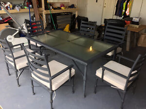 Rod Iron Table and 6 Chairs