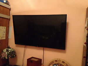 """48"""" LG flat screen tv with mount $250"""