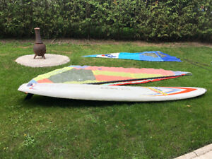 Windsurfing board with 2 sails