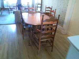 Mobilier de salle à manger  Roxton  $150.