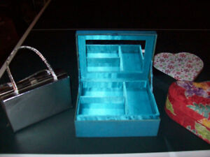 JEWELLERY   BOXES  AND  PURSE