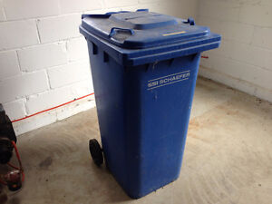 Garbage Can ROLL OUT LARGE MOBILE WASTE CONTAINER
