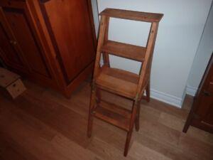 chaise escabeau antique
