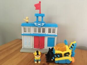 Paw Patrol - post office and Rubble + vehicle