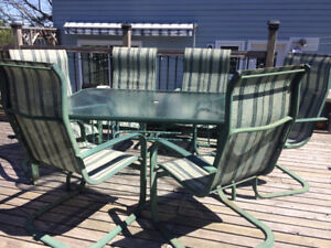 Will not rust - All aluminum table and 6 chair set