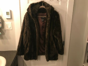 Short brown faux fur jacket with hood