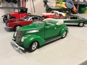 Ford antique 1937 diecast 1/18 die cast