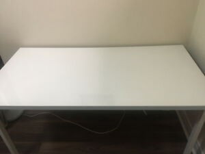 Selling White Ikea Desk