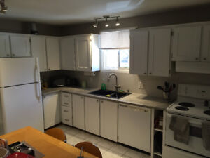 3 BEDROOM UNIT CLEAN, QUIET AND STEPS TO SLC