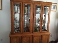 Vaisselier/ china cabinet