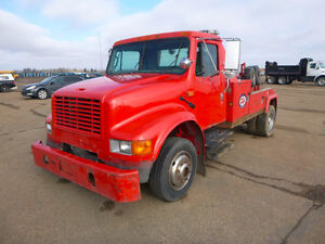 1999 Internation 4700 Tow Truck UP FOR AUCTION