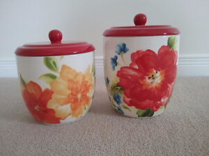 2 lovely Pier One kitchen jars for sale! Like new!