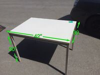 Table robuste