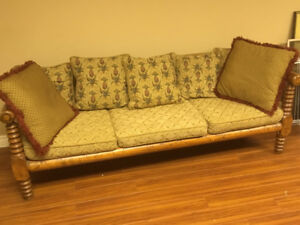 Antique spool-carved pine settee