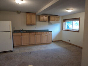 1 bedroom, country, 10 minutes N.E. from Guelph
