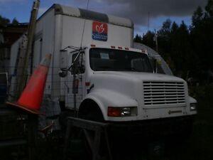 transmission international 5 ton ES52-7A  in bancroft Kawartha Lakes Peterborough Area image 3
