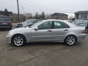 2005 MERCEDES  AWD LIMITED LEATHER SUNROOF CERTIFIED & E-TEST London Ontario image 3