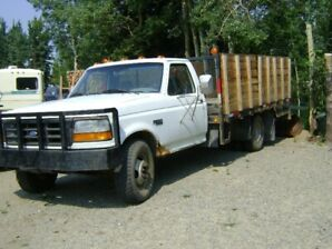 1995 350Ford Dually Flat deck with sides just in time for wood