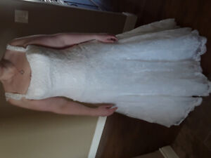 NEW PRICE: Stella York Fit-and- Flare Wedding Dress