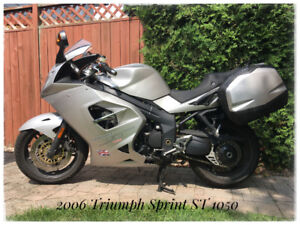 Like New 2006 Triumph Sprint ST 1050 - 31,787 KMS