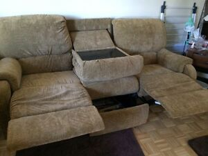 Two piece couch set  Sarnia Sarnia Area image 3