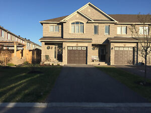 Townhouse for Rent - Trailwest - Kanata