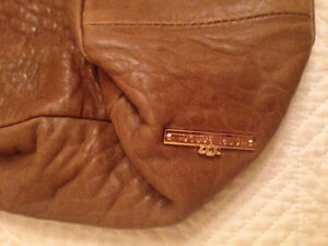 Designer purse..Henri Bendel..never been used :o Cornwall Ontario image 2