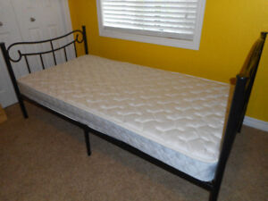 SINGLE BED, MATTRESS AND COMFORTER