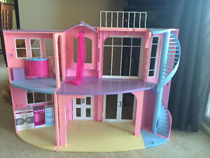 Barbie house and dolls