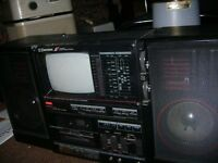EMERSON TV / STEREO GHETTO BLASTER