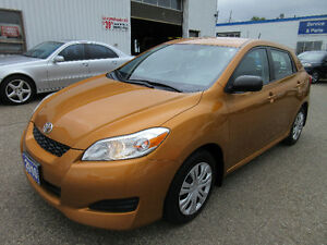 2010 Toyota Matrix- CLEAN CARPROOF!! 6 MONTHS WARRANTY!! $8,250