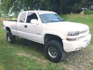 Lifted 2002 chevy silverado Z71NOTRADES 3000 in gone by weekend